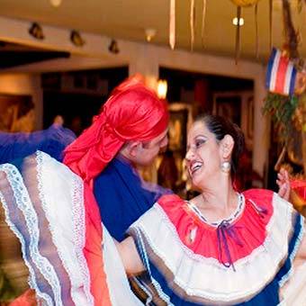 Folklore Show at Ram Luna (only on wednesday an thursday)