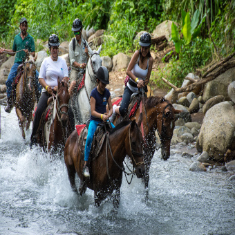 HorsebackRidingToFortunaWaterfall-MAIN